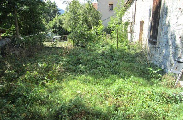 Remise + jardinet – m1339
