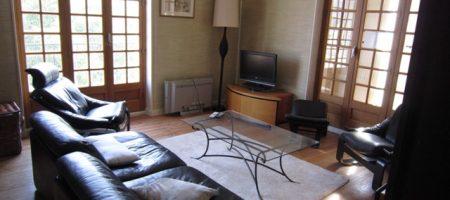 Maison comprenant 3 appartements – Terrain – m1545