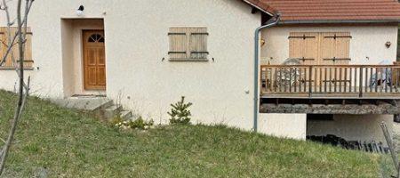 Grande villa avec 2 garages sur 5000m² de terrain – m1606