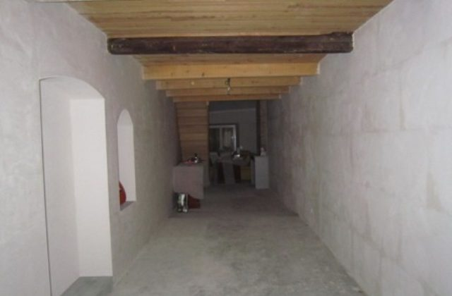 Maison de village rénovée en partie – m1489